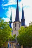 Pionowo obrazek Notre-Dame Katedralna katedra dama, Kathedral Notre-Dame lub Cathédrale Notre-Dame w Luksemburg Nasz, zdjęcie stock