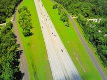 Pionowo widok I-10 autostrada od Teksas Luizjana fotografia stock