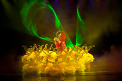 Pionpaviljongen--Den historiska magiska magin för stilsång- och dansdrama - Gan Po Arkivbild