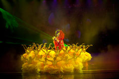 Pionpaviljongen--Den historiska magiska magin för stilsång- och dansdrama - Gan Po Royaltyfria Foton