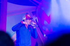 Piosenkarz J Jetrin na scenie 06 2014 przy Pataya Tajlandia Fotografia Royalty Free