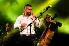 Piosenkarz Omer Adam wykonuje Zdjęcia Royalty Free
