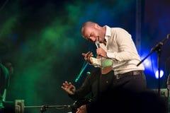 Piosenkarz Omer Adam wykonuje Zdjęcie Royalty Free