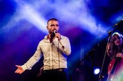 Piosenkarz Omer Adam wykonuje Obraz Royalty Free