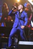 Piosenkarz Stas Piekha wykonuje na scenie podczas Viktor Drobysh roku urodziny 50th koncerta przy Barclay centrum Obrazy Stock