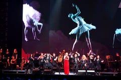 Piosenkarz Valeria wykonuje na scenie podczas Viktor Drobysh roku urodziny 50th koncerta przy Barclay centrum Zdjęcia Royalty Free