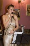 Piosenkarz, wokalista wystrzał grupa koktajl, Catherine Symagina Obrazy Stock