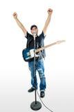 Piosenkarza gitarzysta na biel rękach up zdjęcia stock