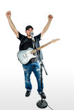 Piosenkarza gitarzysta na bielu zbroi w górę patrzeć z lewej strony obrazy stock
