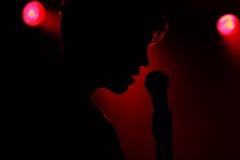 Piosenkarza silhuette Zdjęcia Royalty Free
