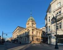 Piotrkowska街在罗兹,波兰天foto 免版税库存照片