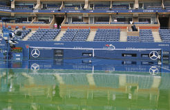 Piova il ritardo durante l'US Open 2014 ad Arthur Ashe Stadium a Billie Jean King National Tennis Center Fotografia Stock
