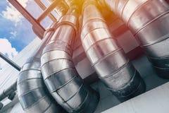 Pipe industrielle Groupe de ventilation de refroidissement d'air de l'eau de caloduc d'usine photos libres de droits