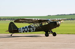 Piper Super Cub taxis for takeoff Royalty Free Stock Photos