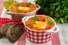 Piperade Basque do prato com pimentas e tomates Imagens de Stock Royalty Free
