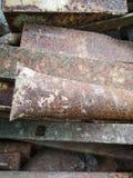 Pipes rouillées en métal image stock