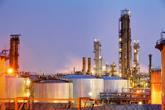 Pipes and tanks of oil refinery - factory Royalty Free Stock Photos