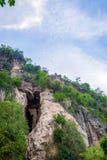Pipistrelli che volano dalla caverna del pipistrello, Battambang Fotografia Stock Libera da Diritti