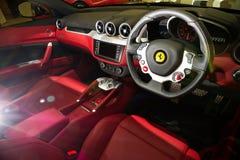 Pipistrello eccellente dell'azionamento della macchina da corsa 2013 di Ferrari FF Fotografia Stock