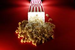 Pipoca de um petisco do filme do teatro Foto de Stock Royalty Free