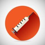 Piqûre médicale de seringue de symbole de traitement hospitalier Photos libres de droits