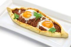 Pique el pide de la carne, pizza turca Foto de archivo libre de regalías