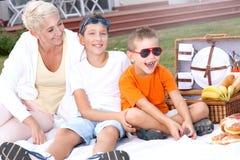 Pique-nique de famille Photographie stock libre de droits
