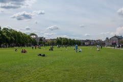Pique-nique, jour ensoleillé, Amsterdam images stock