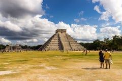 Pirámide de Chichen Itza Fotos de archivo libres de regalías