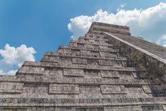 Pirámide de Kukulkan Monumento de la pirámide México de la serpiente de Chichen Itza fotografía de archivo libre de regalías