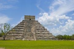 Pirámide de la central de Chichen Itza imagen de archivo