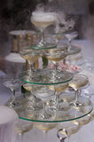Pirámide de los vidrios del champán con nitrógeno líquido Fotos de archivo