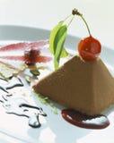 Pirámide del chocolate foto de archivo libre de regalías