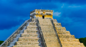 Pirámide del ¡de Chichén Itzà Imágenes de archivo libres de regalías