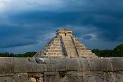 Pirámide del ¡de Chichén Itzà Imagenes de archivo