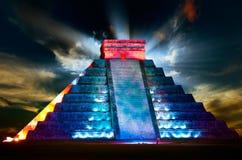 Pirámide maya de Chichen Itza fotos de archivo