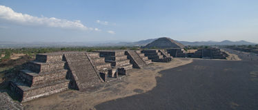 Pirámides de Teotihuacan en México Fotografía de archivo libre de regalías
