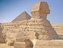 Pirámides en giza El Cairo Egipto y la esfinge Foto de archivo libre de regalías