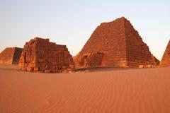 Pirámides famosas de Meroe imágenes de archivo libres de regalías
