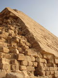 Pirámides grandes de Egipto Las esquinas traídas-abajo de la pirámide Fotografía de archivo libre de regalías