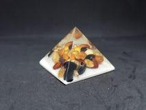 pirâmide com sementes para dentro imagem de stock royalty free