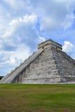 Pirâmide de Kukulkan imagem de stock royalty free