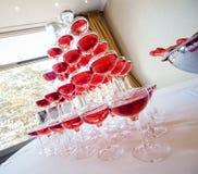 Pirâmide do champanhe cor-de-rosa Imagens de Stock Royalty Free