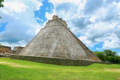 Pirâmide do mágico em Uxmal, Iucatão, México Imagens de Stock Royalty Free
