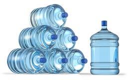 Pirâmide do tambor plástico grande, garrafa para o refrigerador de água do escritório Imagem de Stock