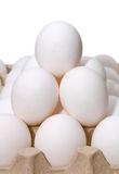 A pirâmide eggs o branco fotografia de stock royalty free