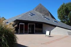 A pirâmide em Denver Botanic Gardens foto de stock