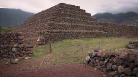 Pirâmides antigas nas Ilhas Canárias video estoque