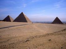 Pirâmides de Cheops, de Khafre e de Mykerinos Imagens de Stock Royalty Free