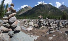 Pirâmides de pedra no vale de Shumak Fotos de Stock Royalty Free